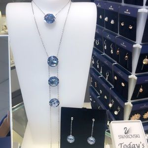 Brand new Swarovksi Blue Crystal Y necklace
